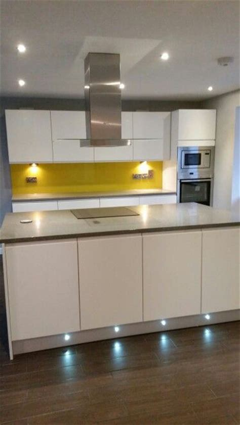 images  yellow glass splashbacks  pinterest