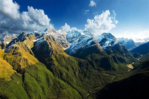 imagenes montañas verdes monta 241 as verdes con nieve en sus cimas 66525
