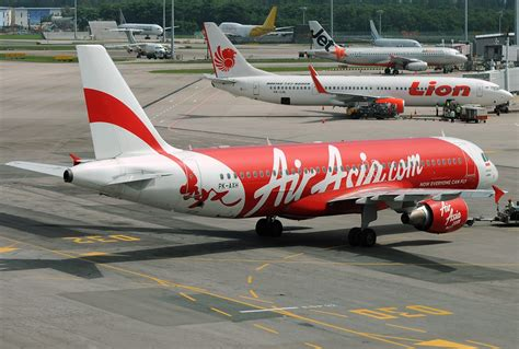 air asia wikipedia indonesia file airbus a320 216 indonesia airasia jp7267317 jpg