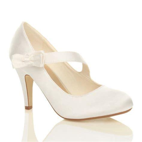 Hochzeitsschuhe Damen Weiß by 220 Ber 1 000 Ideen Zu Strass Schuhe Auf