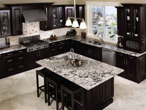 Schwarze Granitküche Countertops Black Kitchen Craft Cabinet And Island Granite Countertops