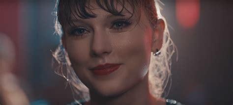 taylor swift delicate music video lyrics watch taylor swift s new quot delicate quot music video now
