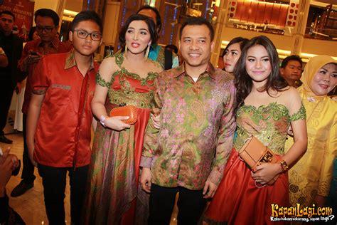 Batik Anang by Demi Nagita Raffi Keluarga Anang Kompak Pakai Sarimbit