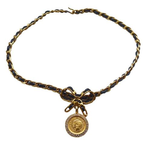 vintage chanel coco rhinestone bow choker necklace for