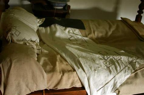 michael jackson death bed anorak michael jackson missing from death bed pictures