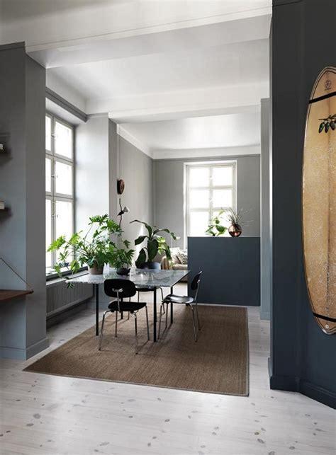 toni interni un appartamento nei toni grigio interior