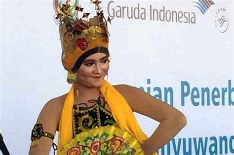 tari jaran goyang banyuwangi mp3 download garuda indonesia disambut tari gandrung banyuwangi di