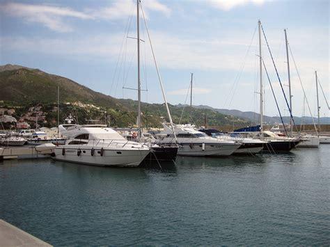 porto arenzano porto di arenzano struttura di ricezione in provincia di