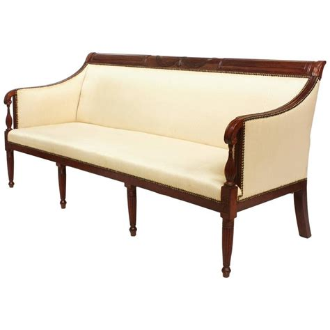 american federal mahogany sofa at 1stdibs