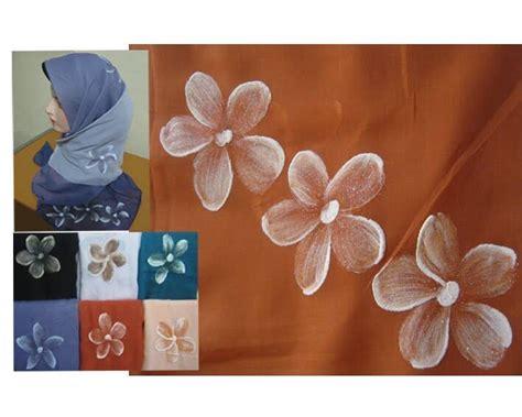 Produk Ukm Bumn Jilbab Lukis jilbab lukis laris manis di bulan ramadhan