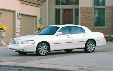 how can i learn about cars 2003 lincoln aviator user handbook used 2003 lincoln town car pricing features edmunds