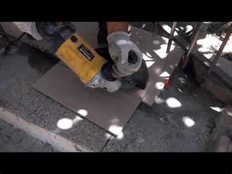 come tagliare piastrelle come tagliare le piastrelle in maniera pratica e veloce