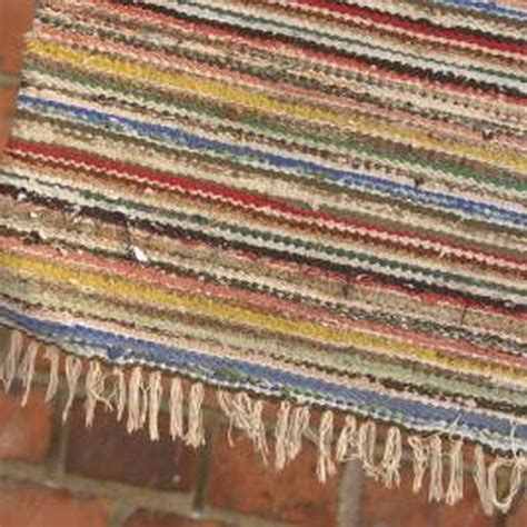 toothbrush rag rug tutorial 17 best ideas about toothbrush rug on rugs rag rug tutorial and rag rugs