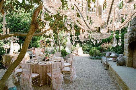 beautiful outdoor wedding venue decor 1   WeddingElation