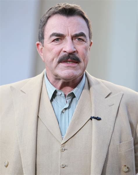im looking for the sweater tom selleck wears in this tom selleck 2018 haircut beard eyes weight