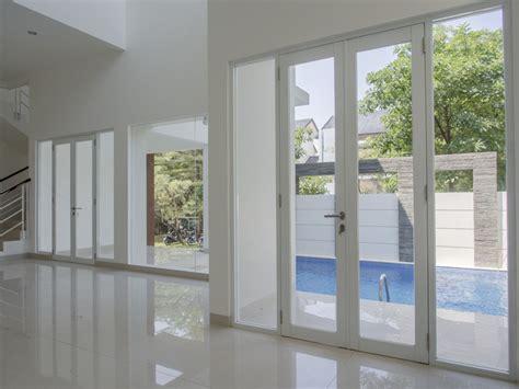 rumah dijual rumah mewah brand   kolam renang