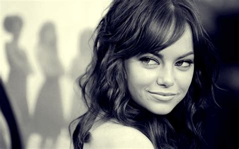black and white wallpaper of actress black and white celebrity emma stone women