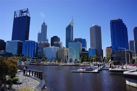 12 reasons to love living in perth claire s footsteps