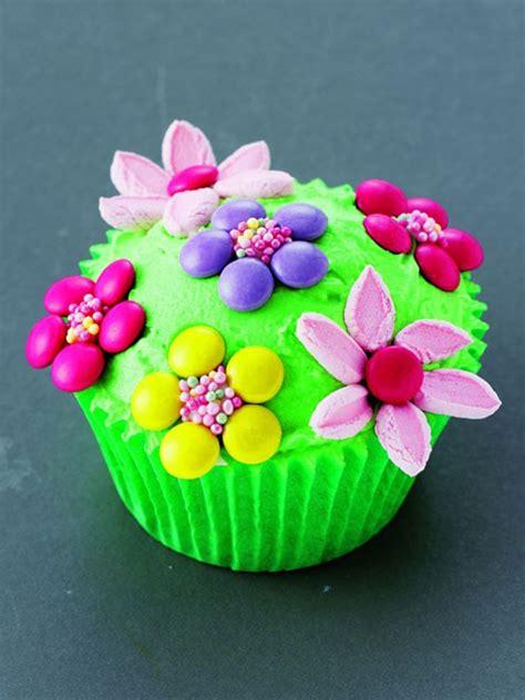 cupcakes kids    flower cupcakes microphone cupcakes