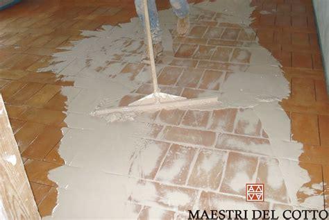 pavimento riscaldato cotto fatto a mano e pavimento riscaldato cotto