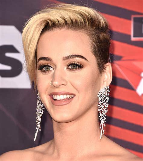katy perry new hair cut 2017 iheartradio music awards katy perry breakover pixie