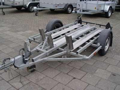 boottrailer geremd of ongeremd aanhangwagens neefbak verhuur