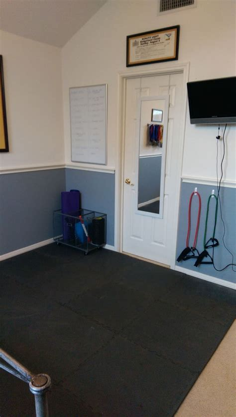 17 best ideas about small home gyms on