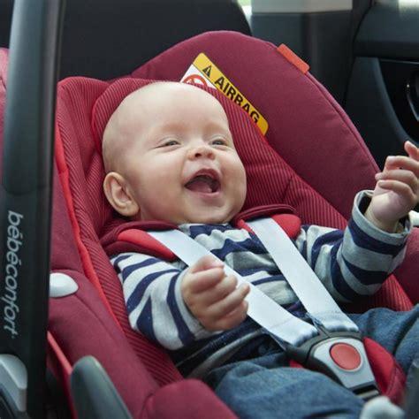 siege auto bebe naissance voyager en voiture avec b 233 b 233 si 232 ges auto isofix au banc