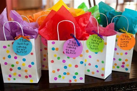 Hers Bingkisan Ulang Tahun Goodie Bag Ulang Tahun and usable themed birthday favors