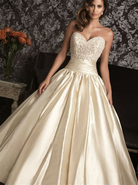 Gold Wedding Dresses Uk by White And Gold Wedding Dresses Uk High Cut Wedding Dresses
