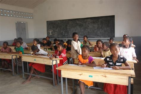 in school european union helps school meals in madagascar wfp