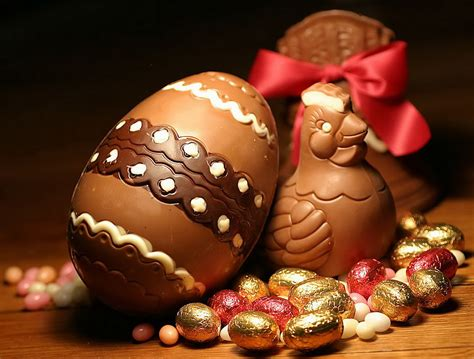 Decorating Eggs easter egg hunts galore torquay news