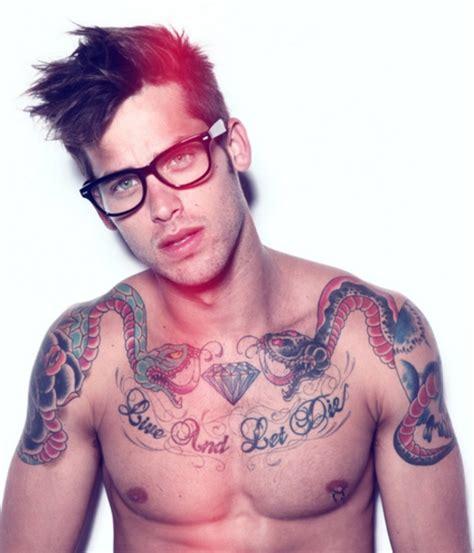 diamond hair tattoo 30 tatuajes para hombres que lucen muy bien en ellos