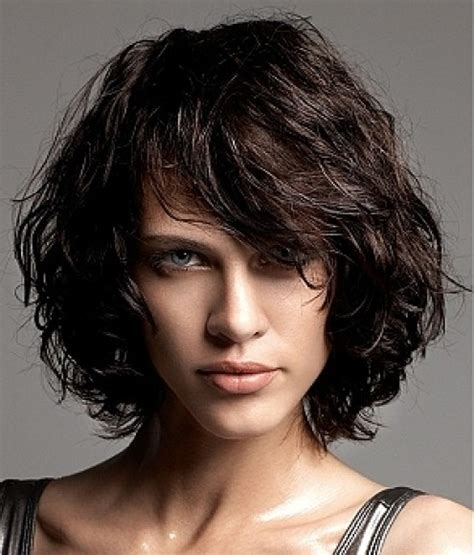 Wavy Layered Hairstyles by Layered Curly Bob Hairstyle Hairstyles Weekly