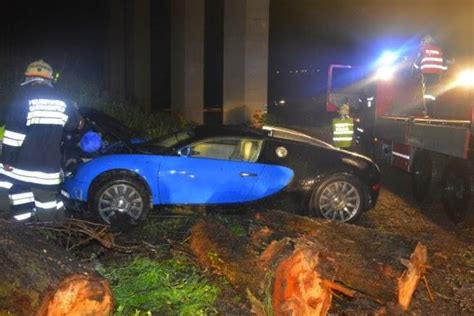 bugatti crash bmw i8 prototype involved in high speed crash