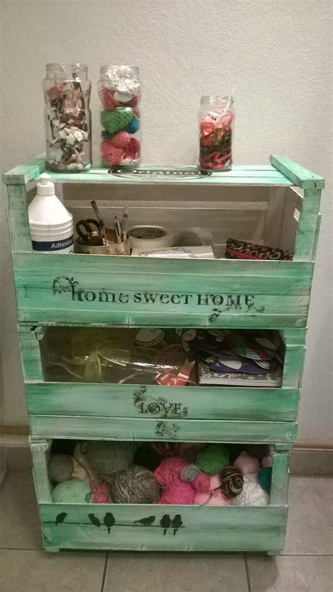 reciclar cajones de madera con cajones de frutas muebles reciclados pinterest
