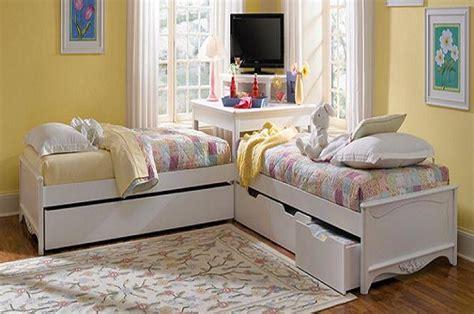 corner utilisation with l shaped trundle beds image