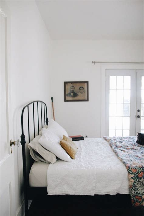 how to stop d in bedroom 25 best ideas about iron headboard on pinterest