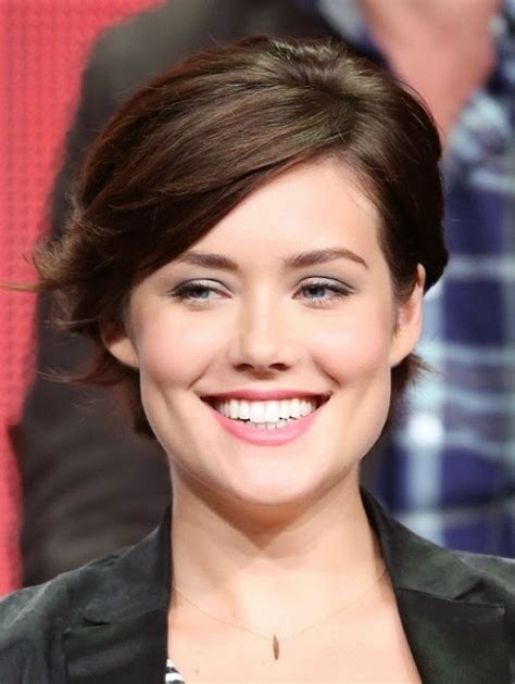 why is lizzie on black list such a bad actress pictures of beautiful women television actress megan boone
