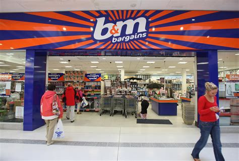sir terry leahy quits b m as profits jump 20 retail gazette