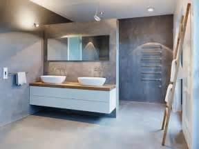 amazing Beton Cire Sur Carrelage Salle De Bain #3: meubles-blanc-bois-clair-salle-bains-murs-béton-ciré-porte-serviettes-échelle.jpg