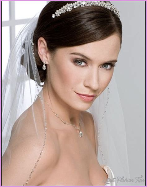 Wedding Hairstyles With Veil Half Up Half by Bridal Hairstyles Half Up With Veil Latestfashiontips