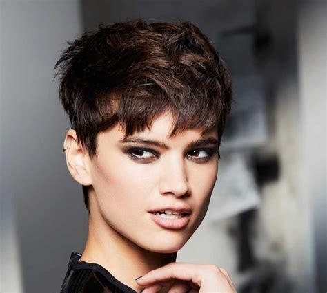 per chi ama i capelli corti su capelli estetica it capelli corti inverno 2018 50 immagini dei tagli pi 249