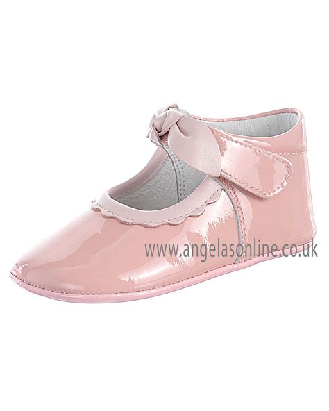 andanines baby pale pink patent leather soft sole