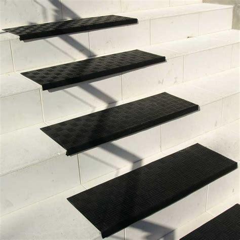 diamond grip rubber stair tread