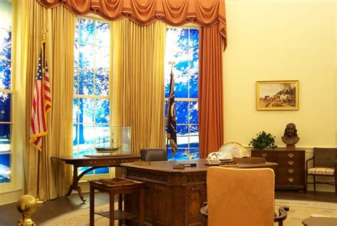 oval office curtains the oval office of the white house and its interiors