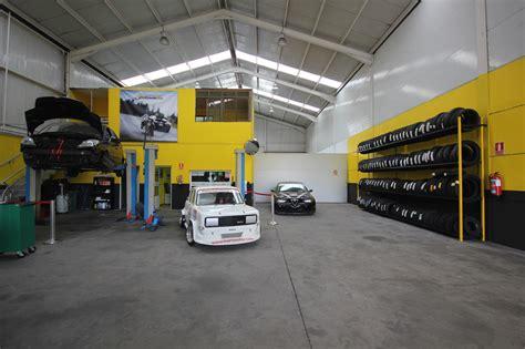 decoracion taller mecanico foto taller mecanico en 193 vila neumaticos motoval interior