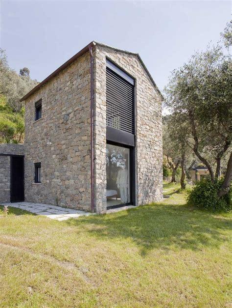 farmhouse restoration riomaggiore italy 1 ideasgn