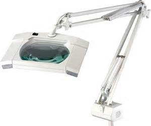 led magnifying l 11 emphasizes on easy mobility and