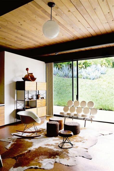 wohnzimmer hocker awesome kuhfell wohnzimmer modern contemporary ideas